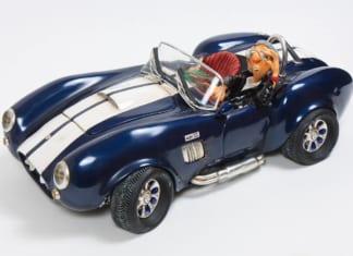 kék autómodell