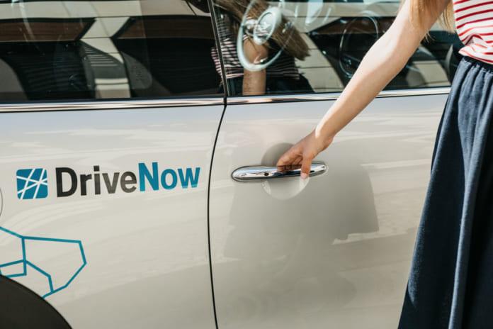 Elindítja elektromos közösségi flottáját a DriveNow Budapesten