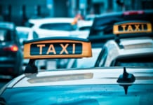 taxi gyerekulessel