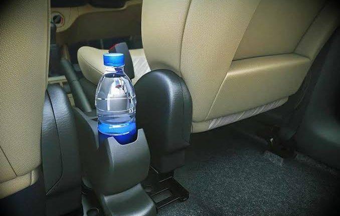 PET palack autoalkatresz