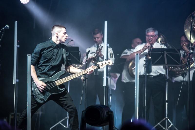 ITI koncert rendorsegi zenekarral