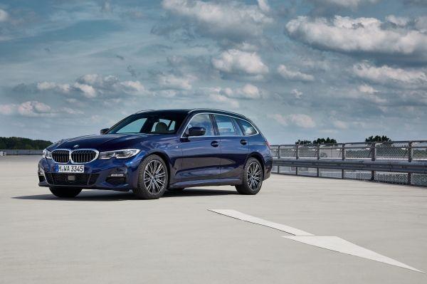 BMW uj autoi BMW330d X drive Touring Model M Sport