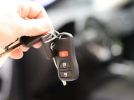 használt auto vasarlas illusztracio kulcs