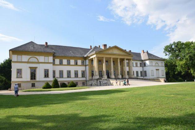 kastélylátogatás Dégi Festetics-kastély