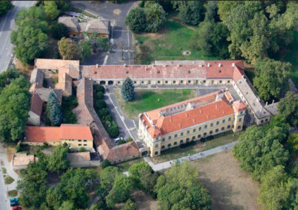 kastélyturizmus Tatai Esterházy-kastély