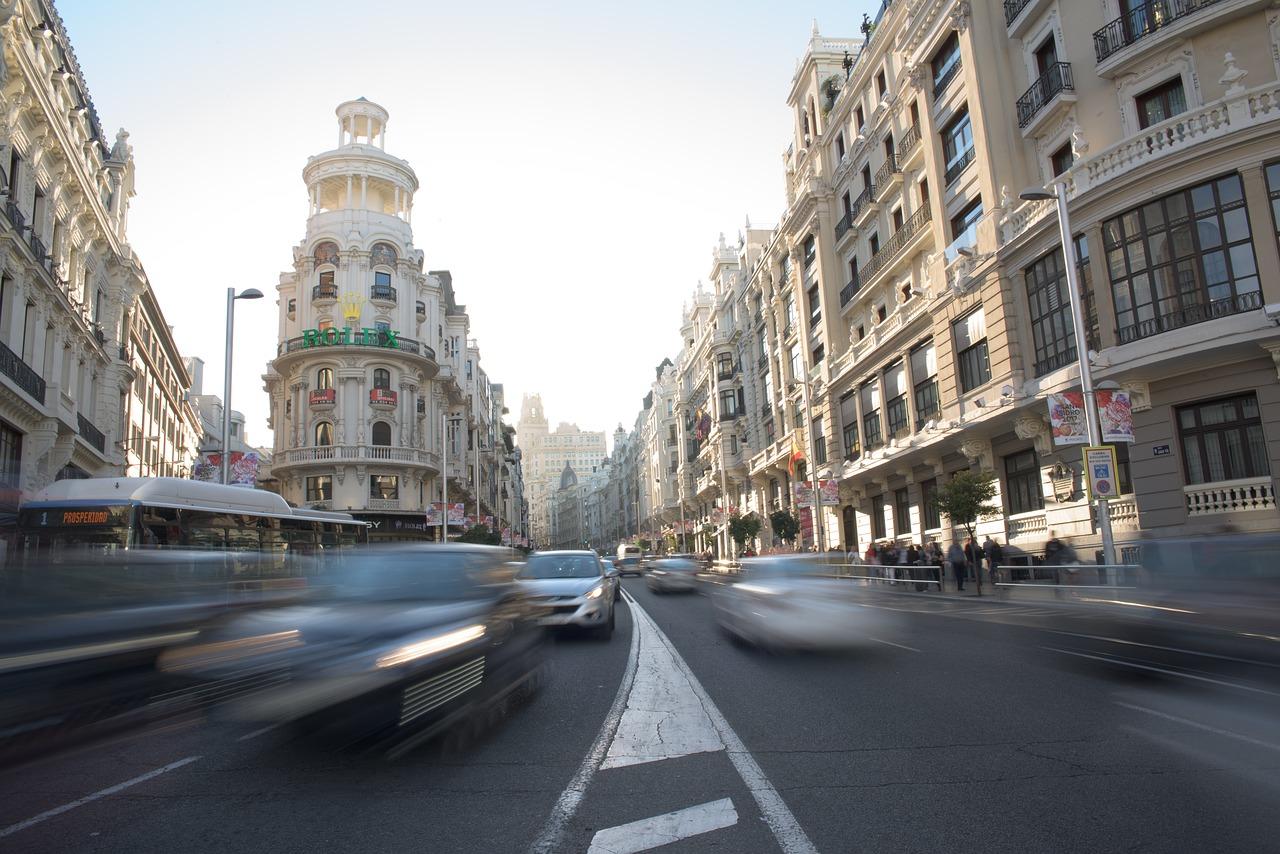 szennyező autók forgalom belvaros madrid