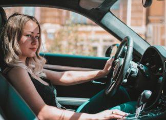 autós etikett női vezető