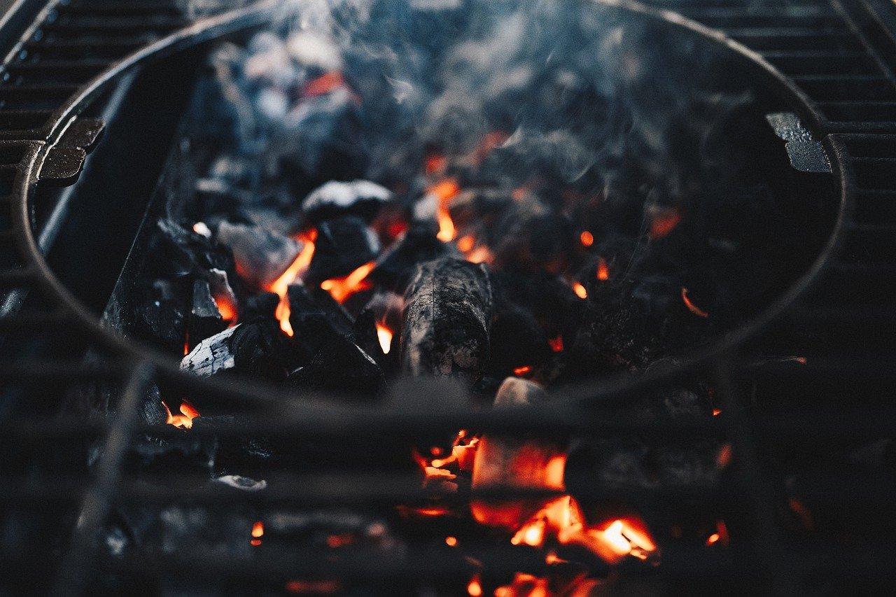 faszén kerti grillezés