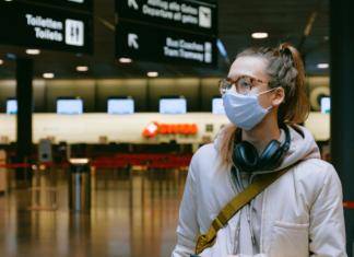 Európa utazás koronavírus újranyitás repülőtér