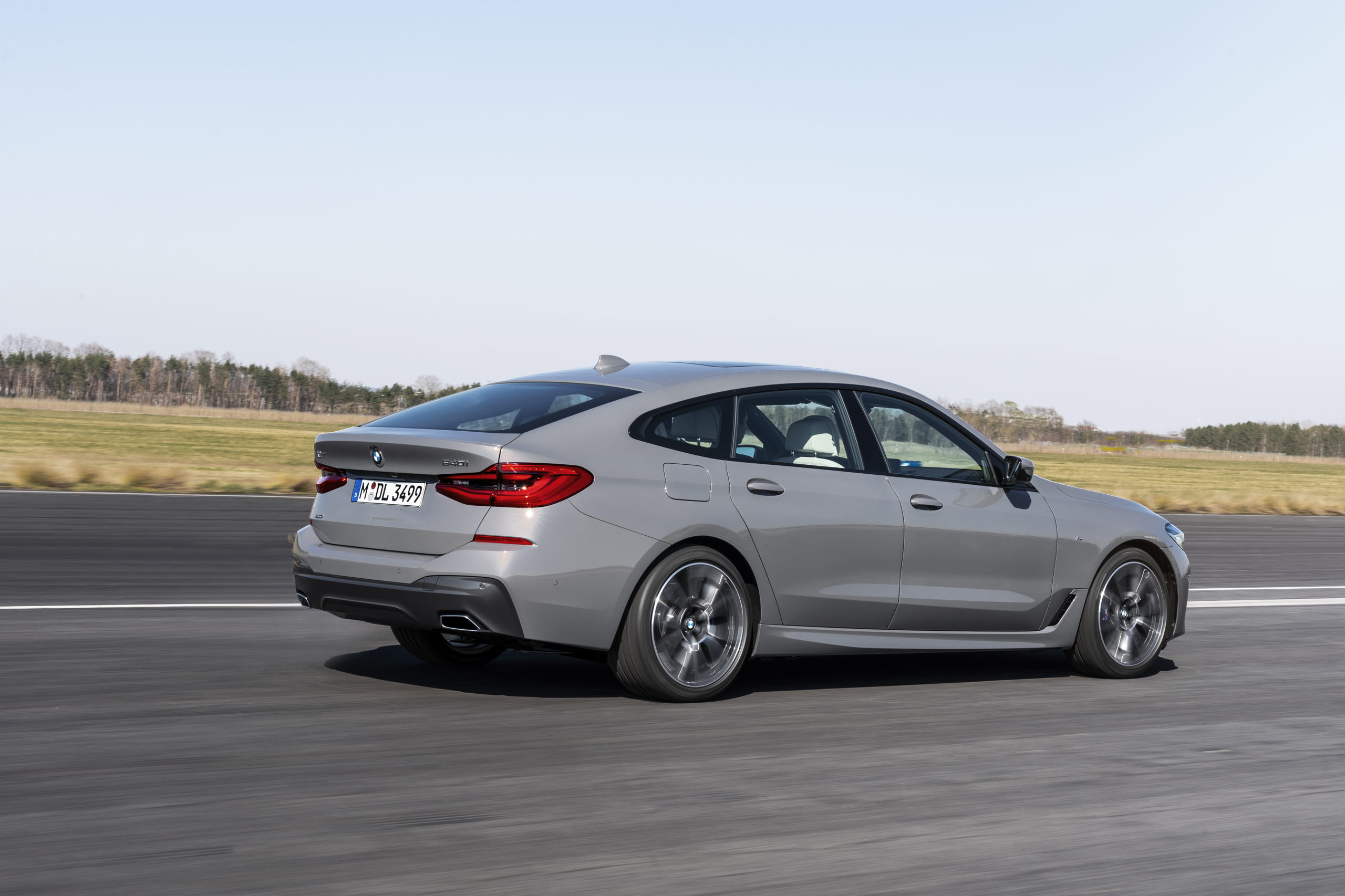 BMW-6-os-Gran-Turismo-oldalrol