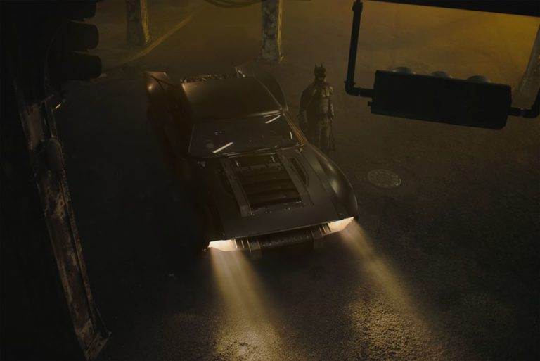 Batman robert pattinson batmobile
