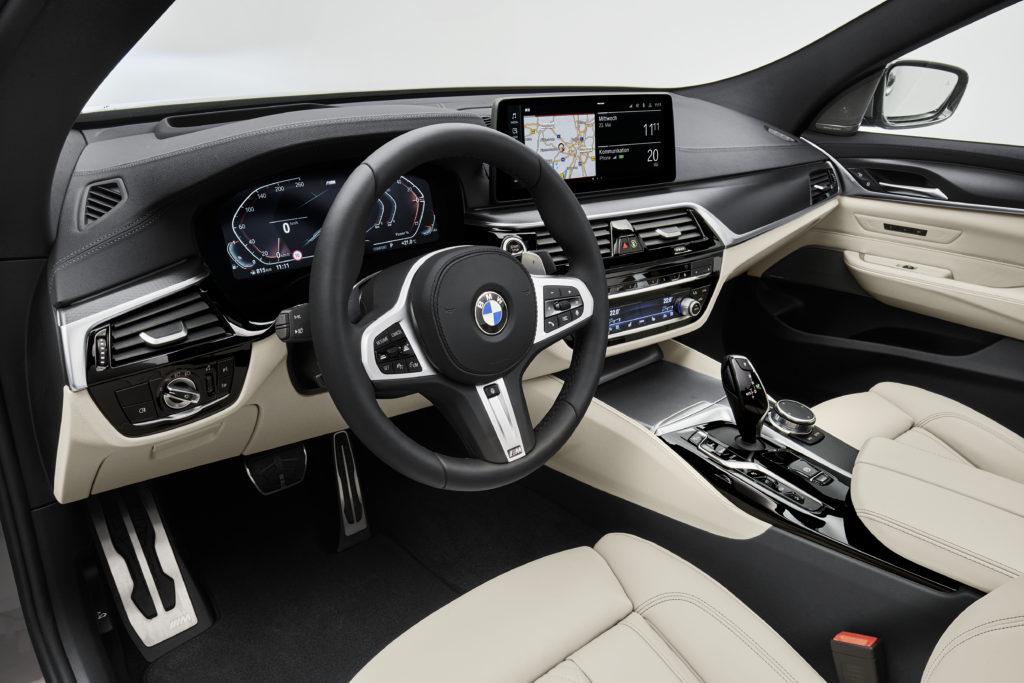 belso-utaster-uj-BMW