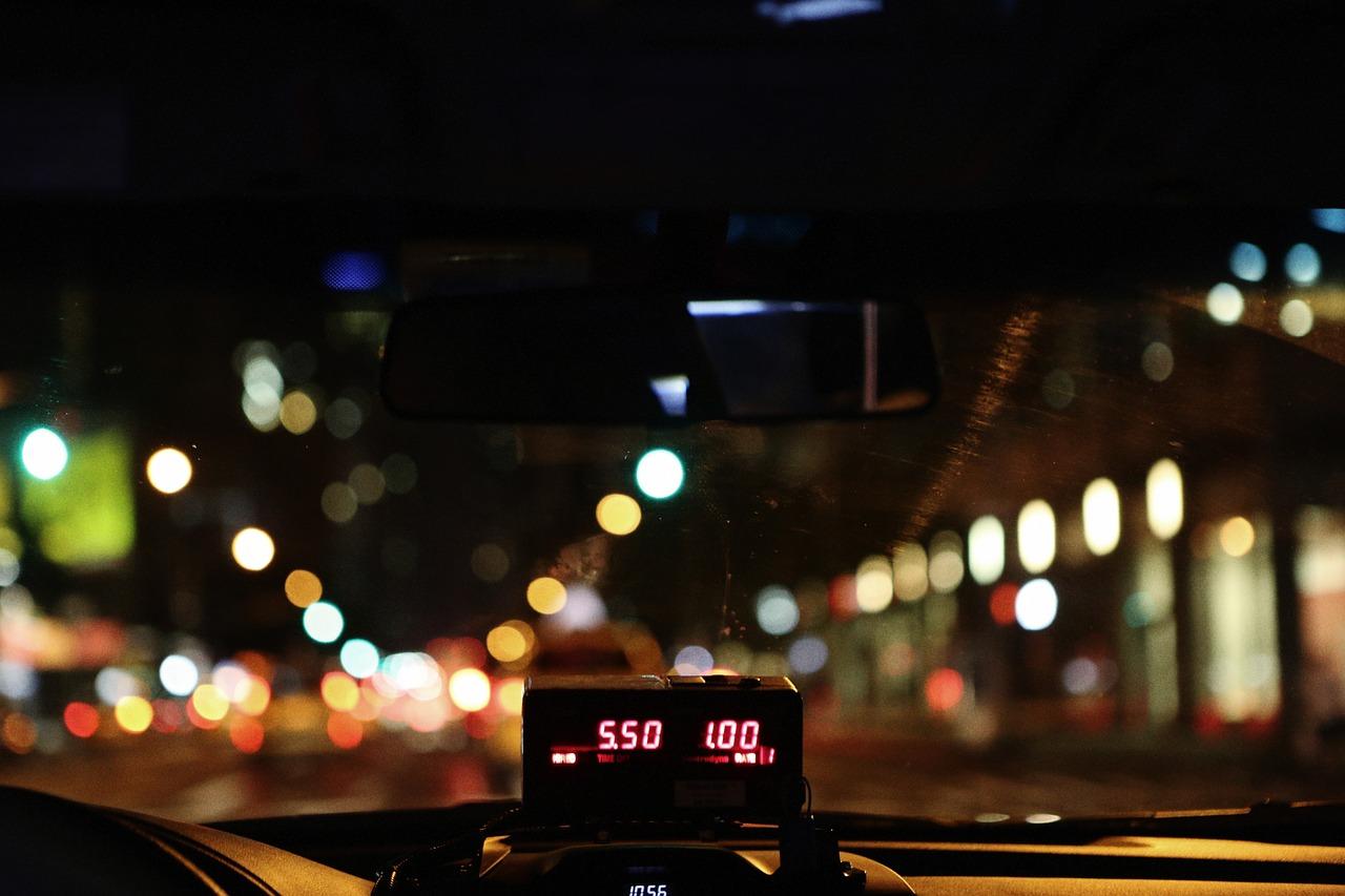 taxióra taxisofőrök taxi