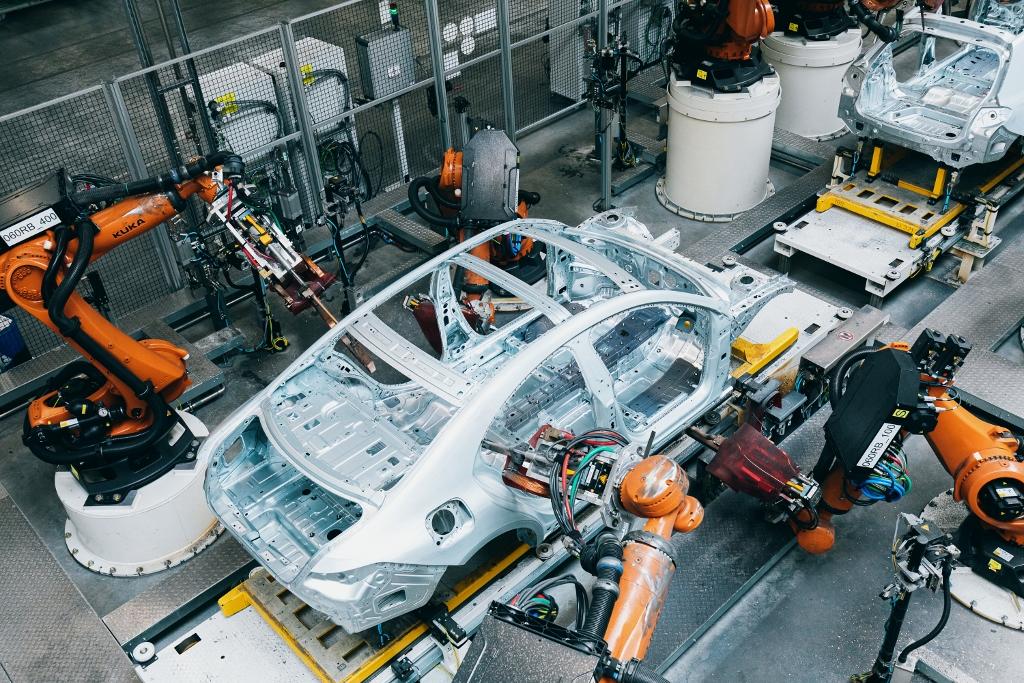 hibrid Mercedes gyártás