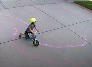 bicikli gyerek kisfiú