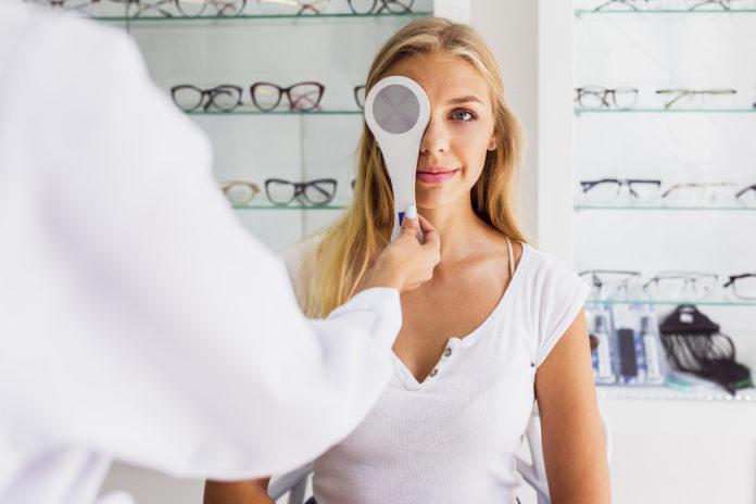 ingyenes szemvizsgálat szemészet