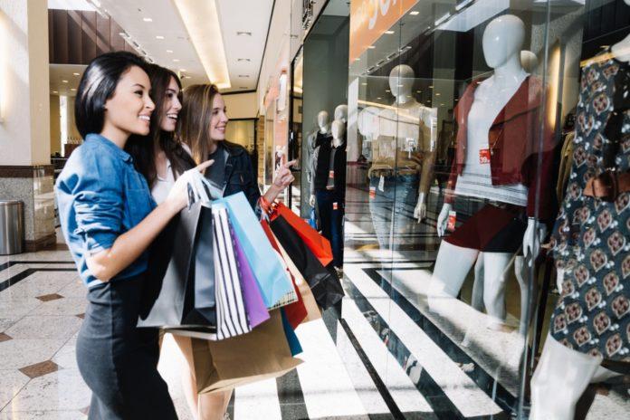 ruhavásárlás jövője shoppingolás