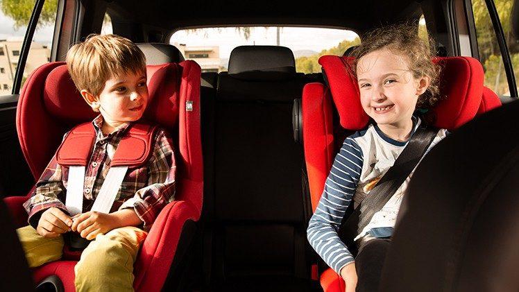 gyerekek autós utazás