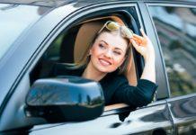 női autóvezető