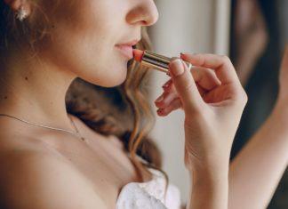 rúzsozás smink női szépség