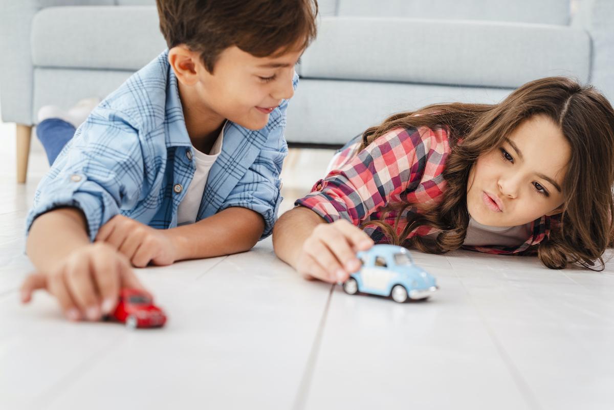nők az autósportban játékautó gyerekek