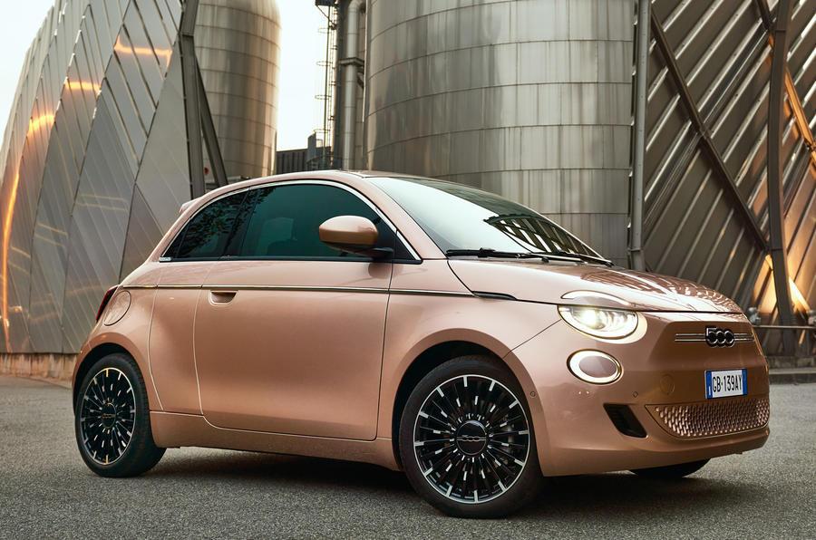 Fiat 500 rosegold női autók 2021