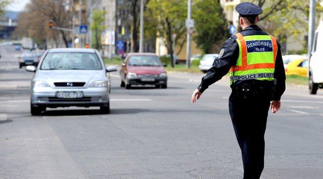 közúti Ellenőrzés gyorshajtás speed roadpol