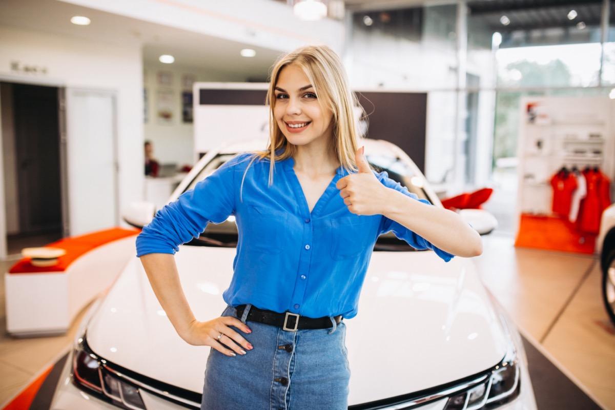 legjobb használt autó legmegbízhatóbb nő autószalon boldog