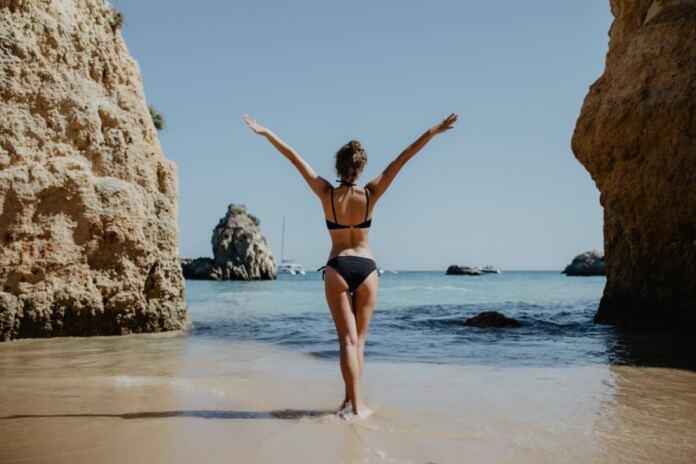 formás kerek fenék tengerpart nő
