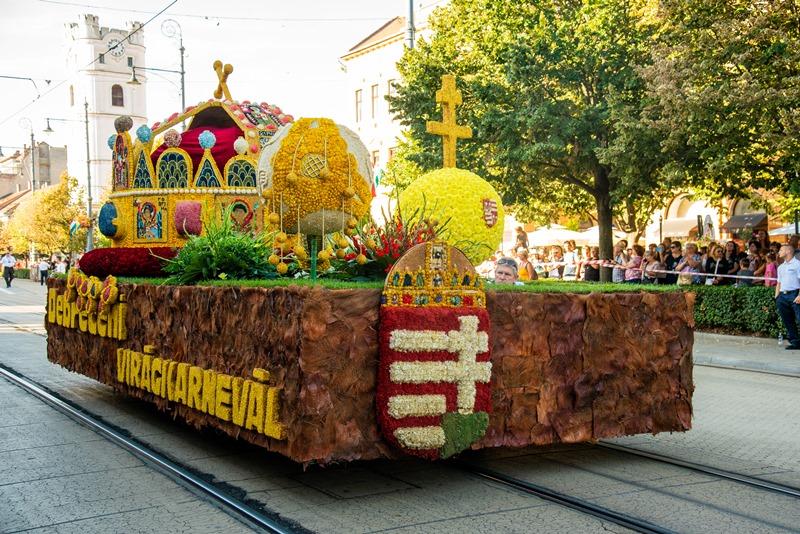 magyar korona virágkompozíció