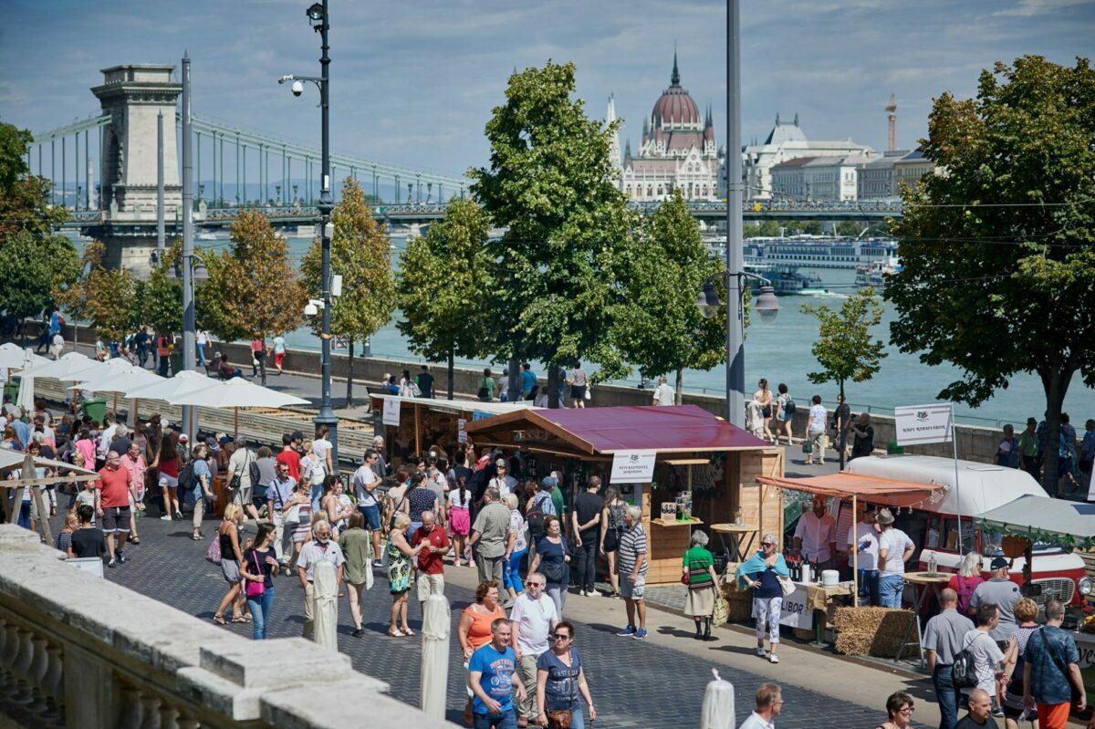 magyar ízek utcája budapest várkert bazár